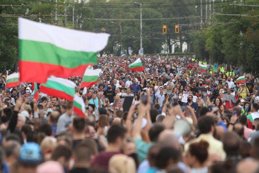Управление и протести