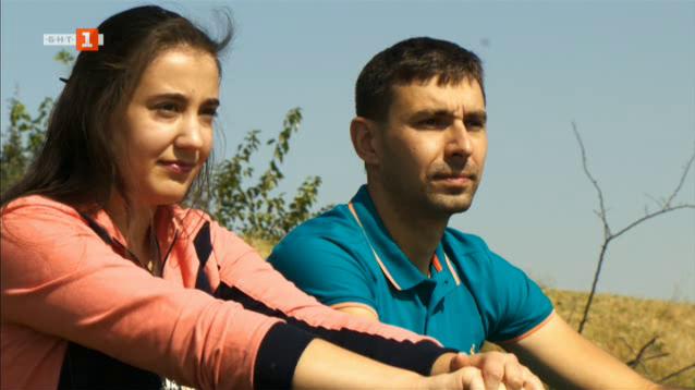 Как Славимир от Койнаре следва семейната традиция в отглеждането на копринени буби