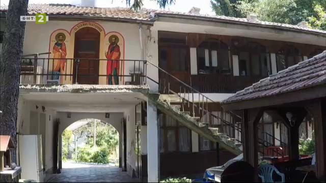"""Свищовският манастир """"Покров Богородичен"""""""