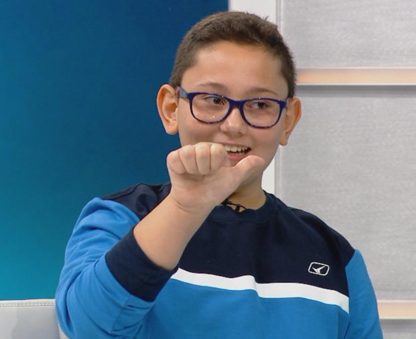 Най-младият жестов преводач у нас