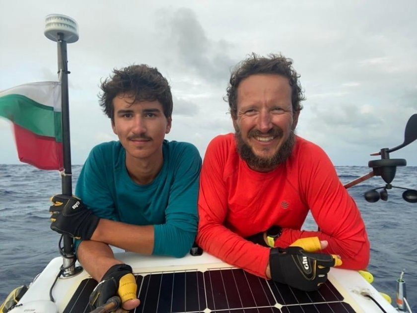 4,444 nautical miles: Bulgarian father and son crossed the Atlantic ocean in a rowing boat