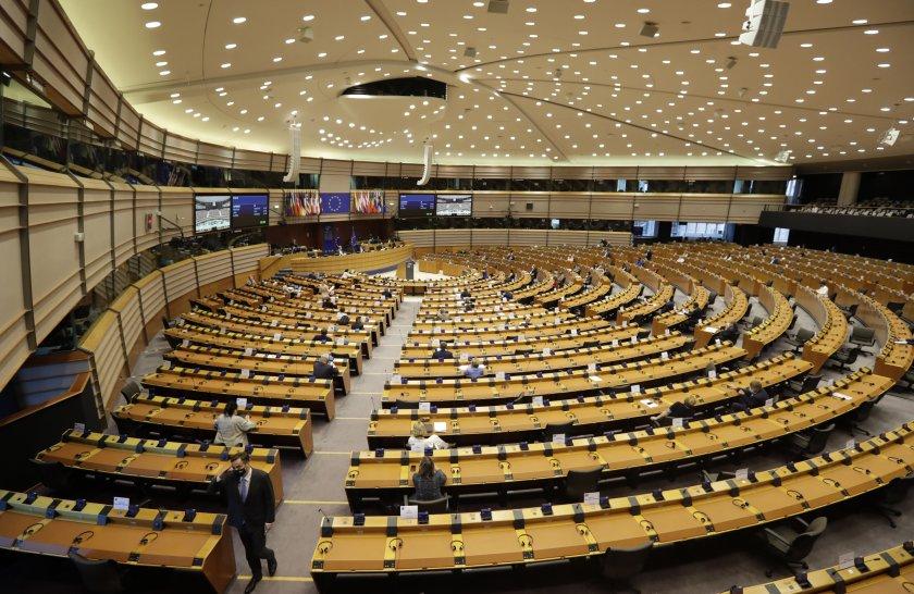 Отвори ли еврорезолюцията за България кутията на Пандора? Говори Радан Кънев