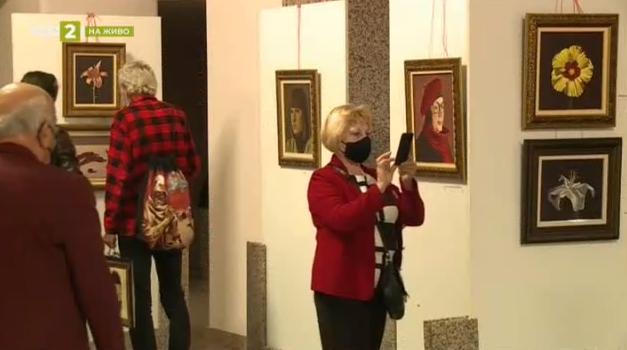 Ретроспективна изложба представя пластичните принципи на художника Николай Караджов
