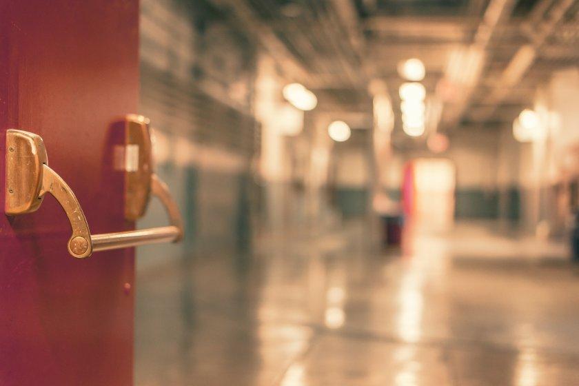 Прави ли преструктурирането на болници хроничните пациенти заложници на вируса