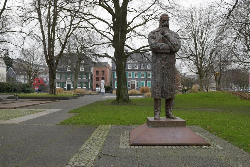 200 години от рождението на Фридрих Енгелс