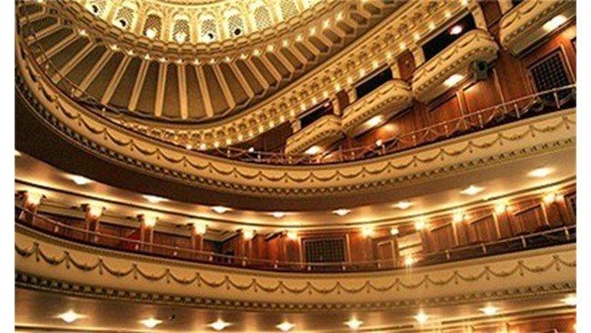 Отворени или затворени трябва да бъдат концертните зали