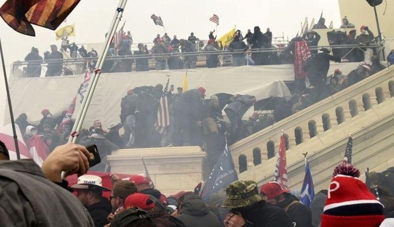 Ще се стигне ли до политически хаос и граждански размирици в САЩ след щурма на Капитолия