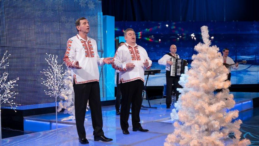 """Юри Крумов, Сашо Александров и фолклорен ансамбъл """"Български ритми"""""""
