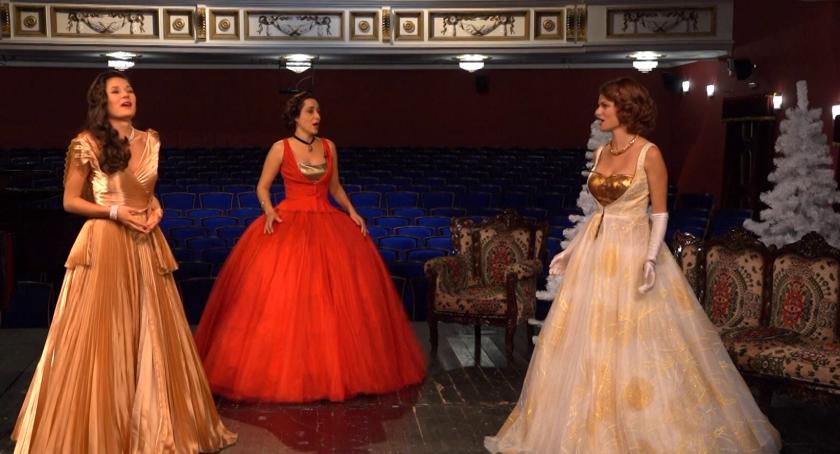 Празнично послание за Новата година от артистите на Държавна опера Пловдив