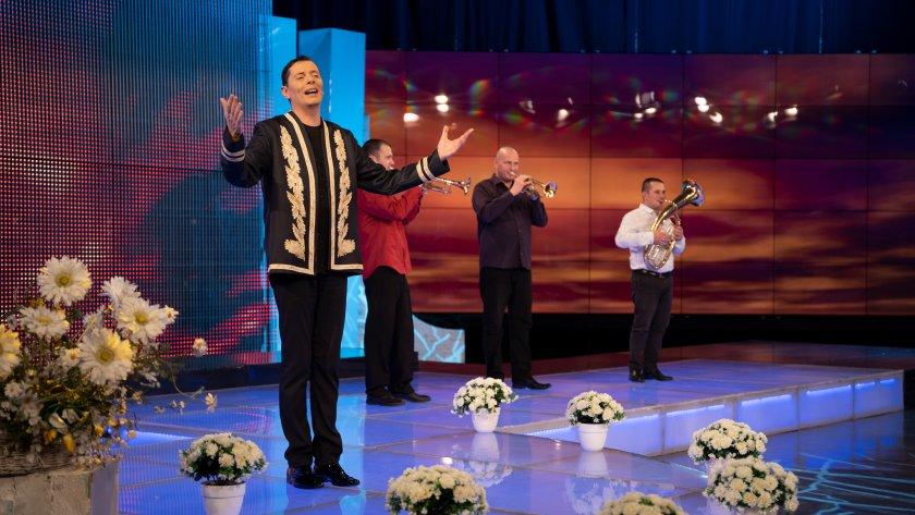 """""""Краси бенд"""" и Александър Александров – Алекс в """"Иде нашенската музика"""" по БНТ 1"""