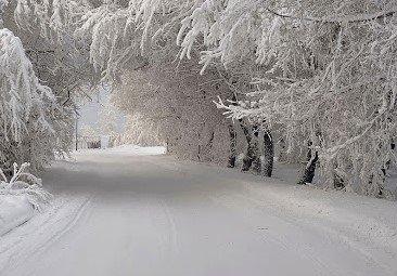Обилен снеговалеж на прохода Хаинбоаз