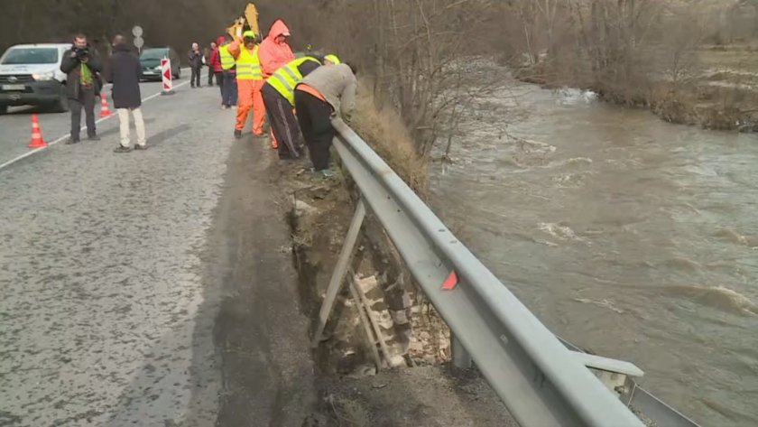 After the heavy rains in Southwestern Bulgaria: Bansko – Gotse Delchev road closed to traffic in both directions