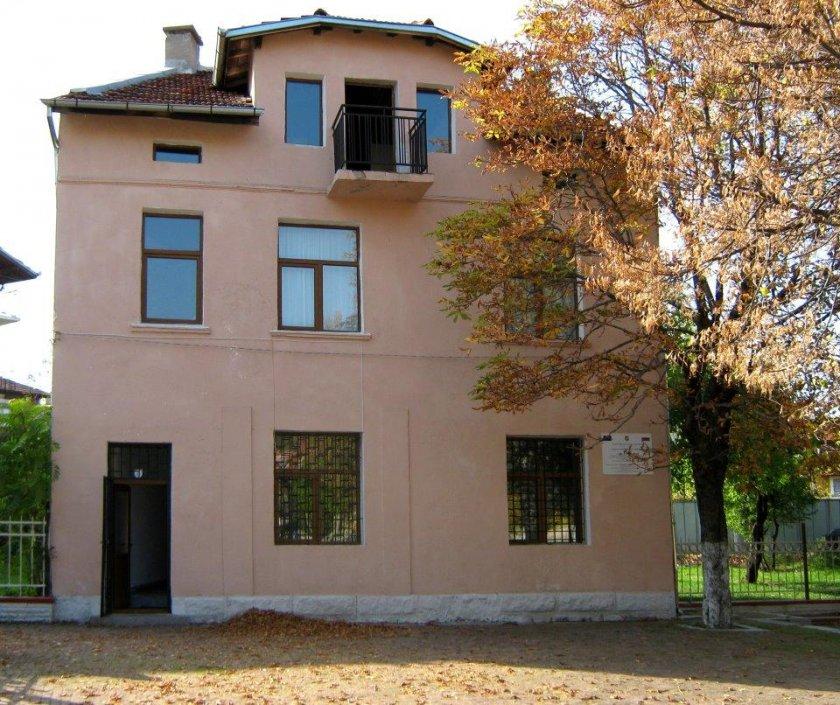 Старопечатни издания на възрожденските автори от Дупница ще бъдат реставрирани