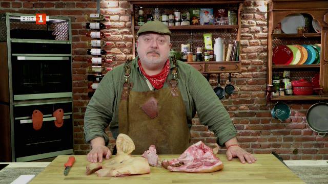 Свински уши с лук на грил и зеленчукова супа със свински език