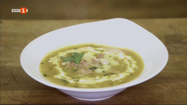 Супа с телешко и пиле с фъстъчено масло