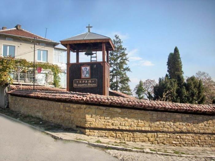 Град Попово. Пътеки към храма