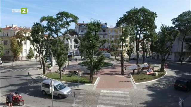 """Площад """"Екзарх Йосиф"""", по-известен като """"Шишковата градинка"""" във Варна"""