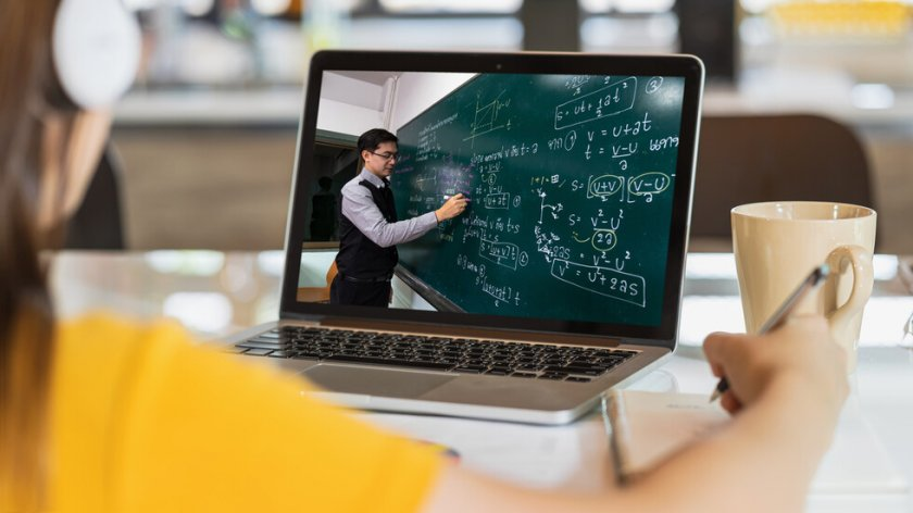 Как върви онлайн обучението в малките и отдалечени училища в селата?