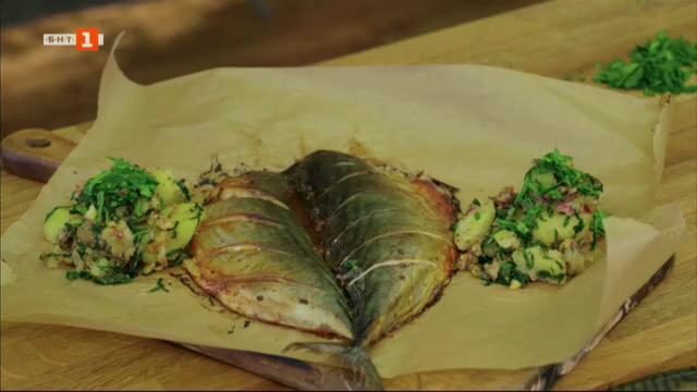 Паламуд на фурна и картофена салата с резене и веяна скумрия