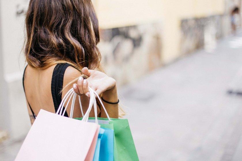 Хитрите рекламни трикове, с които търговците ни карат да купуваме