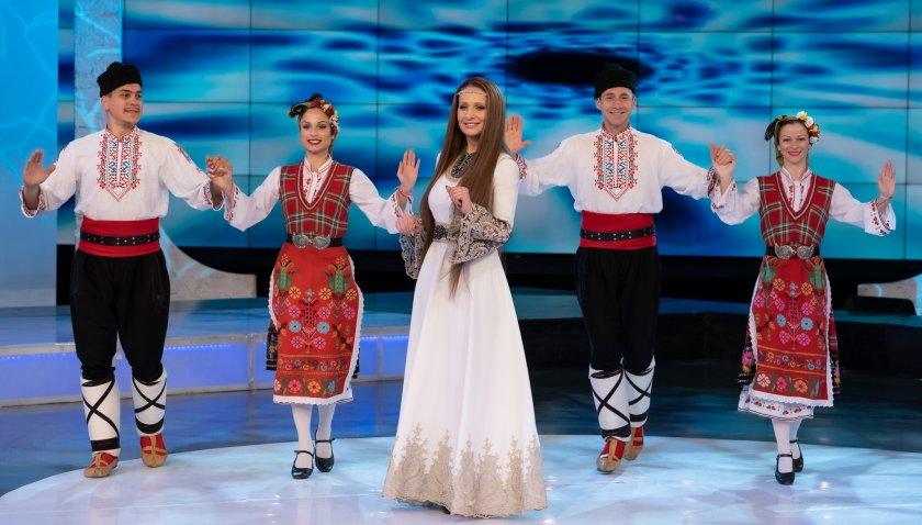 Владислава Христозова и нейният различен поглед към фолклорната традиция