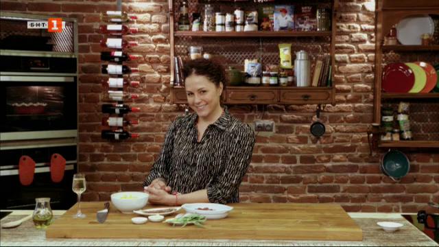 Супа с говеждо, гъби и спанак и паста с пилешки дробчета и салвия