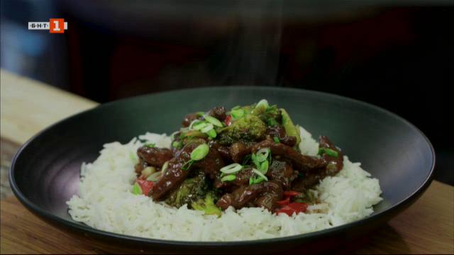 Говеждо със зеленчуци на тиган и патешко магре с мариновани гъби