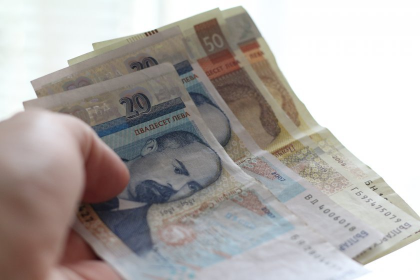 Край на кредитната ваканция. Как мярката се отрази на домакинствата и бизнеса?