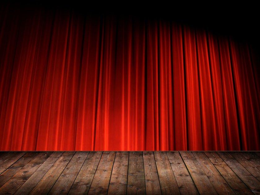Театрални представления като подарък за лекарите на първа линия в Русе