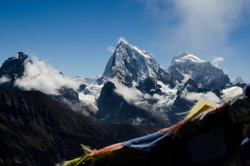 40 години от изкачването на първия осемхилядник Лхотце и 37 години от Еверест