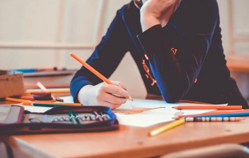 Въпроси и отговори за образованието: как ще завърши учебната година