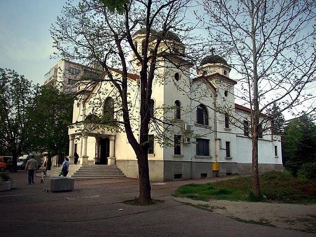 """Храм """"Св. Йоан Рилски"""" в Търговище"""