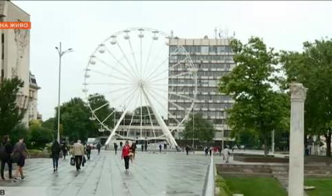 Притеснява ли строежът на новото виенско колело жителите и гостите на Пловдив?