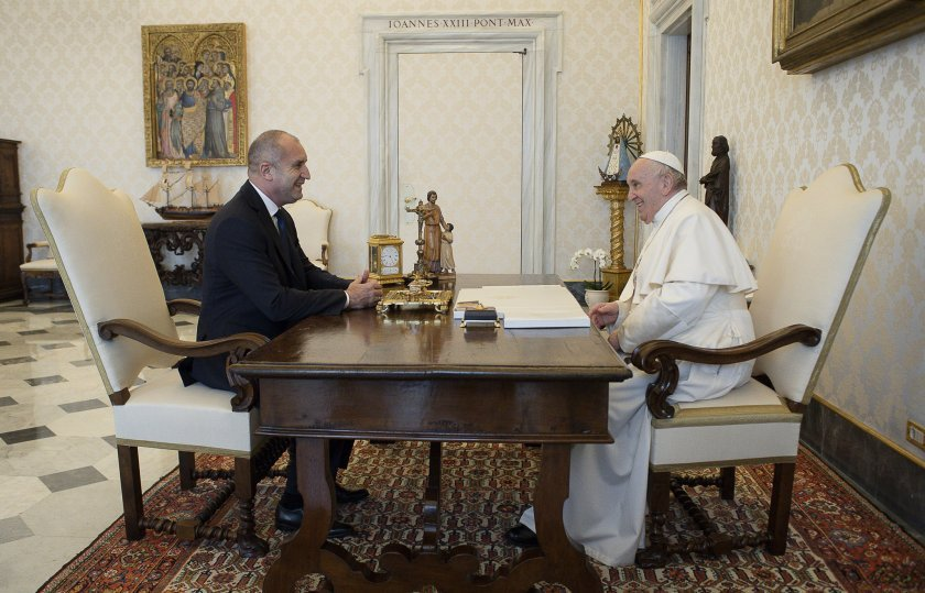 Bulgarian President's audience with His Holiness Pope Francis (pictures)