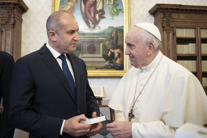 The Pope has promised his support for the manuscript by Peter Bogdan to be available for exhibition in Bulgaria
