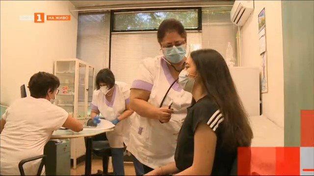 Започва ваксинация на учениците в Пловдив