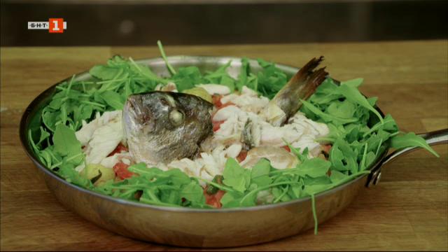 Ципура с пресни картофи по средиземноморски и панирани ребърца с пикантен сос