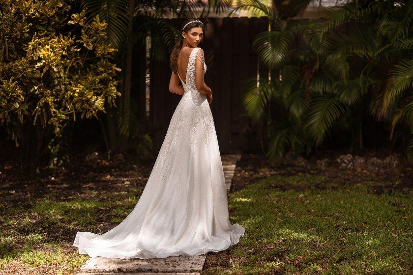 Тенденциите в сватбената мода с дизайнера Радостина Илиева