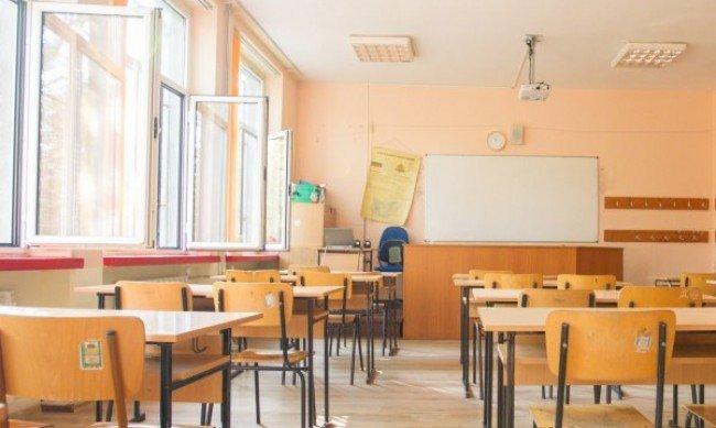 Новата учебна година в условията на COVID вълна - говори министър Николай Денков