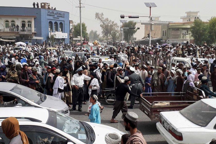 За ситуацията в Афганистан и отговорността на Великите сили