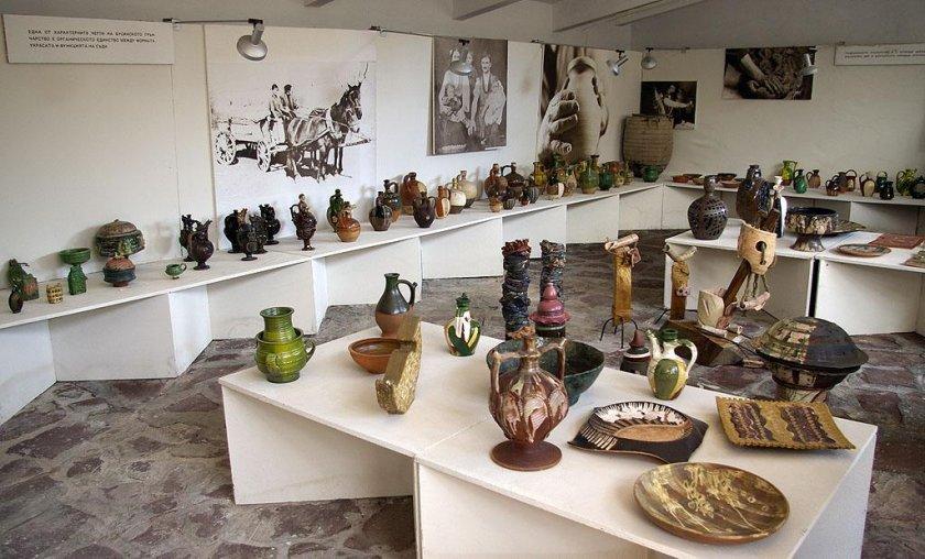 Музеят на бусинската керамика
