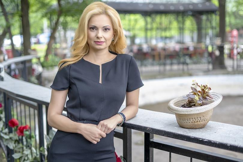 Журналистът Аделина Радева с номинация за жена на годината