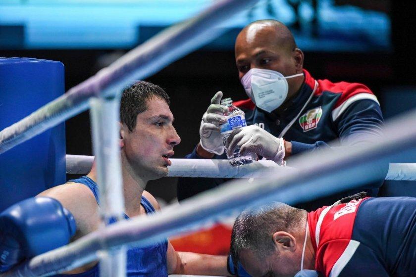 Отличен старт и за Петър Белберов на Световното по бокс