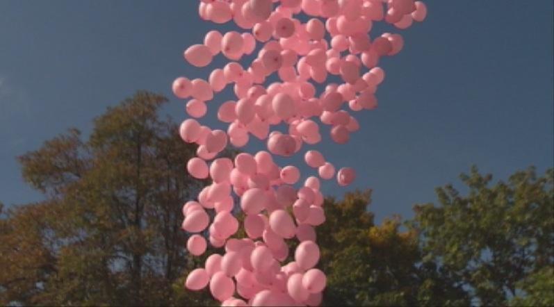 Хиляди розови балони ще полетят в знак на подкрепа на борбата с рака на гърдата