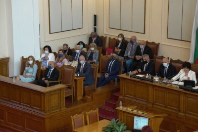The 5th vote of no-confidence against the government was unsuccessful