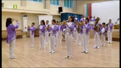 """Оркестър с традиции – духовата музика на училище """"Никола Йонков Вапцаров"""""""