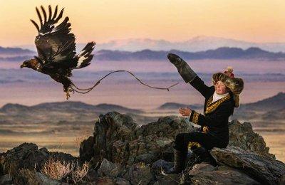 Момичето, което ловува с орел