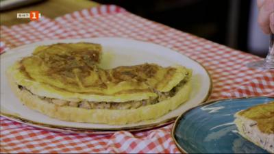 Пай с гъби и пушено сирене и портокалови кексчета с бадеми, стафиди и бял шоколад