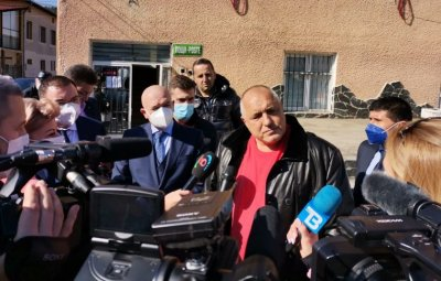 """PM Borissov: There will be """"green corridors"""" for Covid-19 vaccination for as long as there are people who want to get vacccinated"""