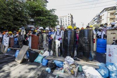 Какво се случва в Мианмар и как трябва да действа международната общност?